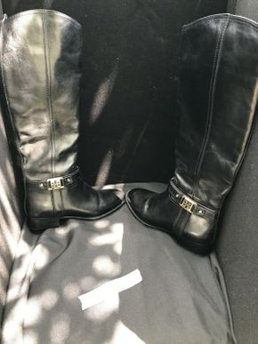 Lot 046 Tory Burch Black Boots Size 6 ITEM CAN BE PICKED UP IN GARDEN CITY