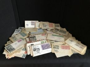 Lot 050 Lot of Assorted Stamps ITEM CAN BE PICKED UP IN GARDEN CITY