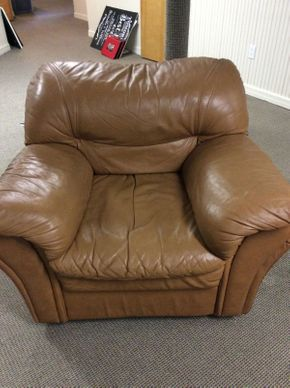 Lot 067 Leather Club Chair 34L x 35D x 32H  ITEMS CAN BE PICKED UP IN GARDEN CITY