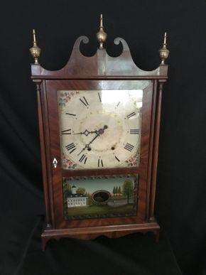 Lot 001 Mantel Clock  ITEM CAN BE PICKED UP IN FOREST HILLS