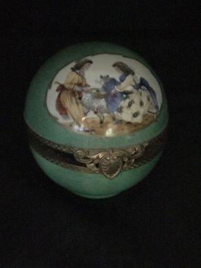 Lot 025 Limoges Perfume Enamel Case ITEM CAN BE PICKED UP IN FOREST HILLS