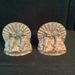 Lot 019 Pair of Cast Metal Bookends 2.5in Tall  ITEMS CAN BE PICKED UP IN RVC