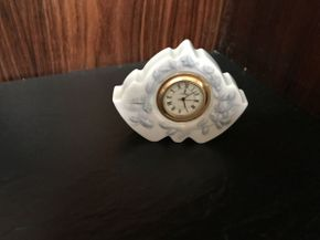 Lot 014 Lladro Vintage Porcelain Clock Daisa ITEM CAN BE PICKED UP IN JERICHO