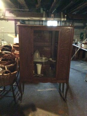 Lot 040 Quarter Sawn Oak Cabinet 38x13.5x60 ITEMS TO BE PICKED UP IN WEST HEMPSTEAD