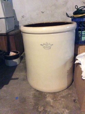 Lot 042 30 Gallon Stone Pot 25in Tall ITEMS TO BE PICKED UP IN WEST HEMPSTEAD