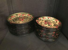 Lot 020 Lot of Decorative Glass Plates ITEM CAN BE PICKED UP IN GARDEN CITY