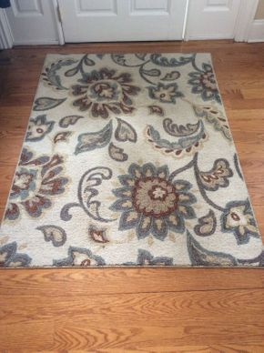Lot 036 Small Manmade Area Rug 66x48.5  ITEMS TO BE PICKED UP IN EAST HILLS