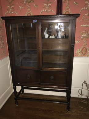 Lot 023 Mahogany China Cabinet with Key ITEM CAN BE PICKED UP IN GARDEN CITY