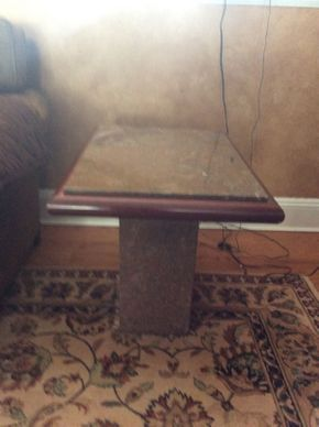 Lot 042 Marble and Wood End Table 22x27x19  ITEMS TO BE PICKED UP IN EAST HILLS