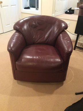 Lot 045 Maurice Villency Leather Swivel and Rocker Club Chair 34x33x24  ITEMS TO BE PICKED UP IN EAST HILLS