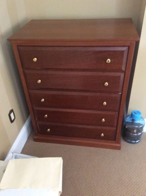 Lot 051 Custom Made 5 Drawer DoveTail Dresser 35.5x19.5x41.5  ITEMS TO BE PICKED UP IN EAST HILLS