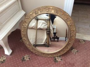 Lot 057 Round Gold Gilded Mirror 25.5in  ITEMS TO BE PICKED UP IN EAST HILLS