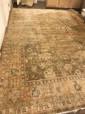 Lot 039 Hand Knotted Rug from India ITEM CAN BE PICKED UP IN GARDEN CITY