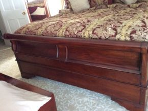 Lot 058 King Size Custom Made Mahogany Sleigh Bed  ITEMS TO BE PICKED UP IN EAST HILLS