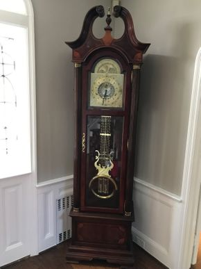 Lot 052 Howard Miller Grandfather Clock NOT WORKING 86H x 14.5W x 23.5L PICK UP IN ROCKVILLE CENTRE