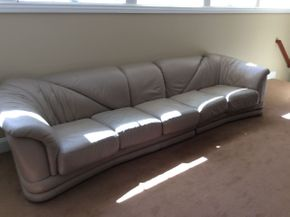 Lot 066 Leather 5 Seat Low Sofa Zip Off Cushions 29x41x70.7  ITEMS TO BE PICKED UP IN EAST HILLS