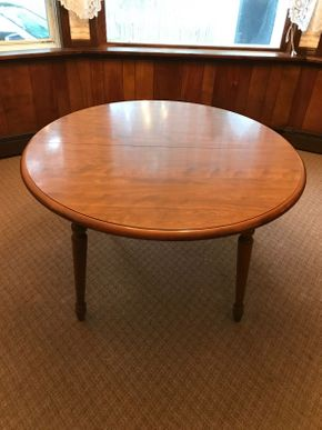 Lot 001 Ethan Allen Formica Round Dining Table With Two Leaves. Approx 30 Inches H X 42 Inches Wide PICK UP IN LAKE GROVE