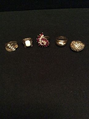 Lot 059 Lot of 5 Rings Including Stones Some 10K and 14K Some Not Marked Approx 12 DWT ITEM TO BE PICKED UP IN GARDEN CITY