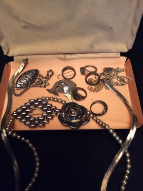 Lot 067 Lot of Sterling Silver Jewelry ITEM TO BE PICKED UP IN GARDEN CITY