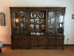 Lot 024 Ethan Allen Three Piece China Cabinet. 80 inches H X 17 W X 102 L. PICK UP IN LAKE GROVE.