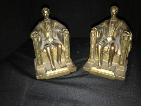 Lot 020 Pair Of Abraham Lincoln Book Ends. PICK UP IN GARDEN CITY.