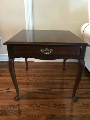 Lot 029 Lane Wood End Table. 24.5H X 26W X 26L. PICK UP IN HUNTINGTON