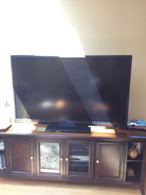 Lot 017 Sharp Aquos TV   ITEM CAN BE PICKED UP IN ROCKVILLE CENTRE
