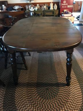 Lot 035 Vintage Pine Oval Dining Room Table with 2 12 Inch Leaves and Pads 30Hx 42W x 59L PICK UP IN EAST MEADOW