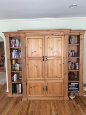 Lot 005 Three Piece Pine Entertainment Unit/Cabinet    ITEM CAN BE PICKED UP IN ROCKVILLE CENTRE