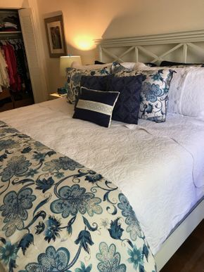 Lot 043 Blue and White King Size Bedding Pillows, Blankets, Sheets PICK UP IN ROCKVILLE CENTRE