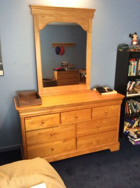 Lot 029 Stanley 7 Drawer Pine Dresser With Mirror  ITEM CAN BE PICKED UP IN ROCKVILLE CENTRE