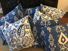 Lot 060 Lot Of Decorative Pillows PICK UP IN ROCKVILLE CENTRE
