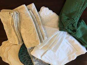 Lot 059 Lot Of Linens, Napkins, Place Mats PICK UP IN ROCKVILLE CENTRE