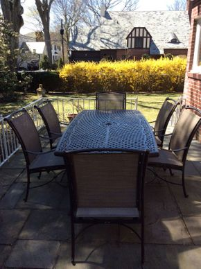 Lot 043 Wrought Iron Outdoor Table ITEM CAN BE PICKED UP IN ROCKVILLE CENTRE