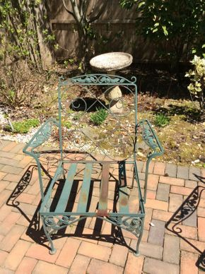 Lot 049 Wrought Iron Green Arm Chair  ITEM CAN BE PICKED UP IN ROCKVILLE CENTRE