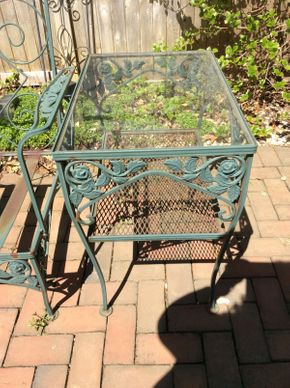 Lot 046 Wrought Iron Green Glass Top End Table   ITEM CAN BE PICKED UP IN ROCKVILLE CENTRE