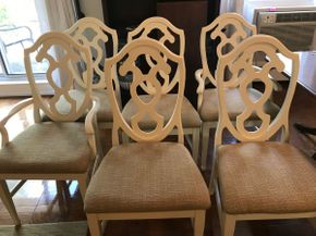 Lot 080 Lot of 6 Dining room Chairs 4 Side and 2 Arm 40H x 19.5W x 21.5L PICK UP IN ROCKVILLE CENTRE