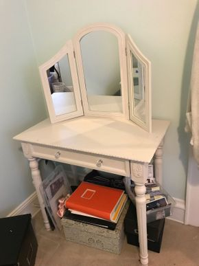 Lot 084 Vanity With Mirror 52H x 18W x 32L PICK UP IN GARDEN CITY