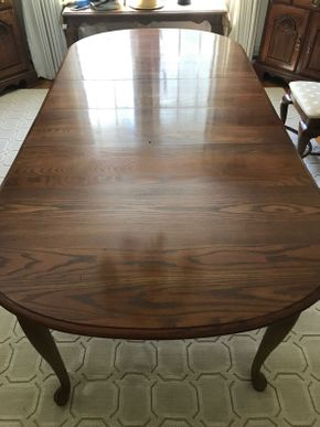 Lot 091 Oak Dining Room Table AS IS 30H x 42W x 86L PICK UP IN GARDEN CITY