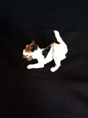 Lot 057 Royal Doulton Jack Russel Terrier with Slipper No. 2654 ITEM CAN BE PICKED UP IN GARDEN CITY