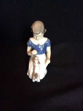 Lot 058 BNG Girl with Puppy Denmark No. 2316 ITEM CAN BE PICKED UP IN GARDEN CITY