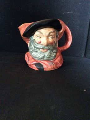 Lot 084 Doulton and Co Large Toby Mug Falstaff ITEM CAN BE PICKED UP IN GARDEN CITY