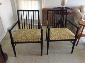 Lot 017 Pair of Black Modern Side Chairs  ITEM CAN BE PICKED UP IN LAWRENCE
