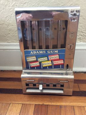 Lot 034 Adams Gum Dispenser ITEM CAN BE PICKED UP IN ROCKVILLE CENTRE