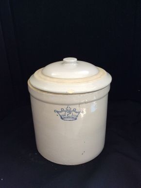Lot 039 2 Gallon Crock With Lid  ITEM CAN BE PICKED UP IN ROCKVILLE CENTRE