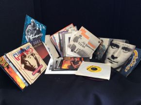 Lot 042 Lot of Vintage 45 Records  ITEM CAN BE PICKED UP IN ROCKVILLE CENTRE
