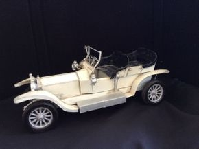 Lot 047 Vintage Decorative Metal Roadster Car ITEM CAN BE PICKED UP IN ROCKVILLE CENTRE