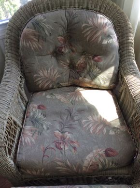 Lot 052 Wicker Chair with Cushion with Cushion EXCELLENT CONDITION ITEM CAN BE PICKED UP IN ROCKVILLE CENTRE