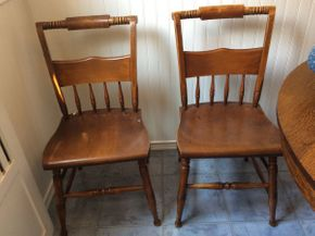Lot 057 Pair of Pine Chairs  ITEM CAN BE PICKED UP IN ROCKVILLE CENTRE