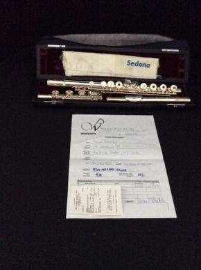 Lot 075 Samperi Spectrum Flute ITEM CAN BE PICKED UP IN ROCKVILLE CENTRE